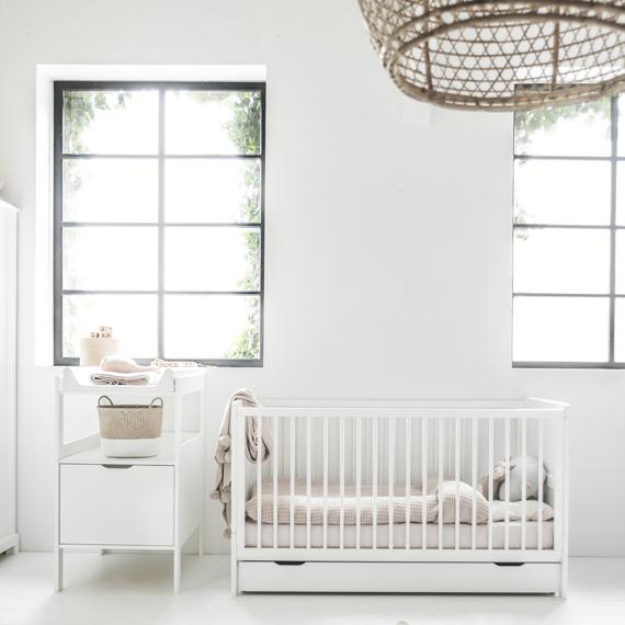 neutrale-tinten-babykamer-petite-amelie