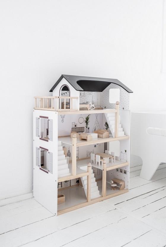 houten poppenhuis met meubles
